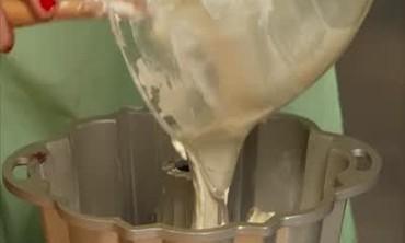 Delicious Sour Cream Coffee Cake