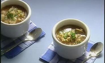 How to Make Mushroom Barley Soup