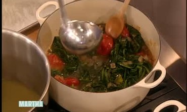How to Make Spicy Collard Greens