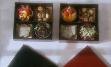How to Prepare a Bento Box Lunch