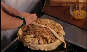 Caramel Cinnamon Graham Apple Pie