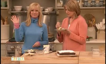Holiday Gingerbread Dessert With Bonnie Hunt, Part 2