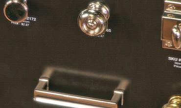 Home Depot Tip: Cabinet Hardware