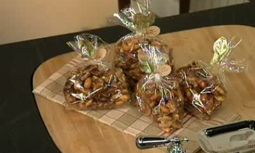 How to Make Spiced Almond Gift Bag