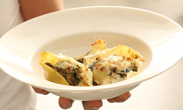 Creamy Shells with Tuna and Spinach