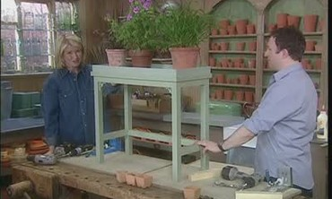 How To Build a Simple Planter Stand