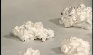 How to Make Common Meringue Cookies
