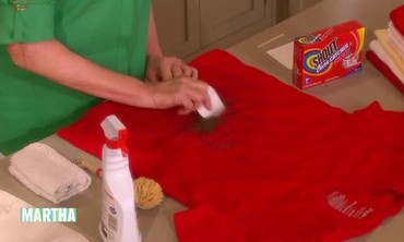 Removing Dirt Stains from Clothes