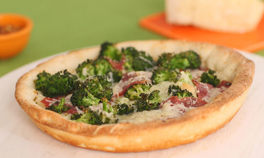 Broccoli and Cheddar Pie Plate Pizza