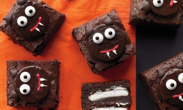 How to Decorate Scaredy-Cat Brownies