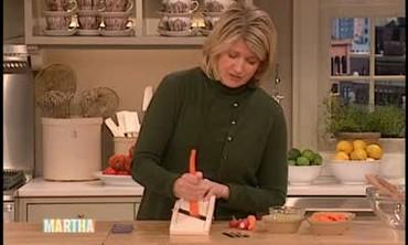 How to Make a Sliced Vegetable Salad