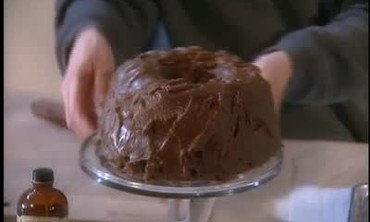 How to Make Frosted Apple Spice Cake