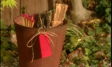 Kindling Gift Basket to Scent a Fire
