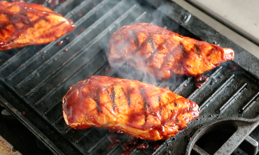Simple Barbecue Sauce with Chicken