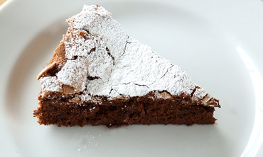 4-Ingredient Flourless Chocolate Cake