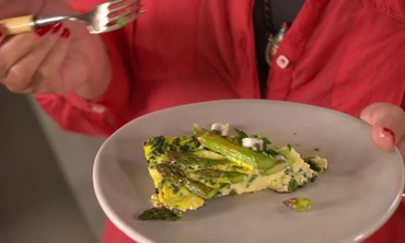 Bake a Spinach and Asparagus Frittata