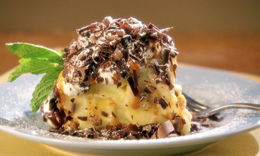 Banana Cream Pie with Chocolate Sauce