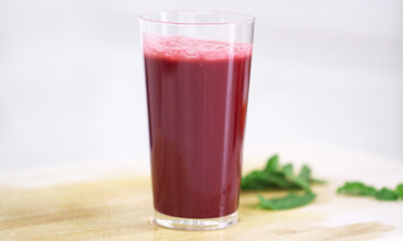 Detoxifying Beet, Apple and Mint Juice