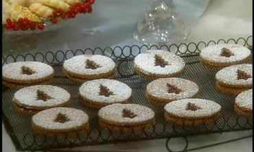 How to Bake Linzer Sandwich Cookies