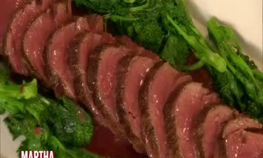 Seared Beef Filet with Red Wine Sauce