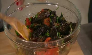How to Make a Simple Dish with Mussels