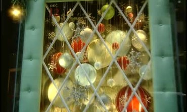 Martha Stewart Creates Holiday Windows