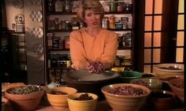 Martha Stewart Makes Homemade Potpourri
