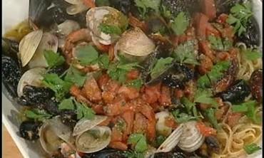 Delicious Tossed Seafood Peri Peri Pasta