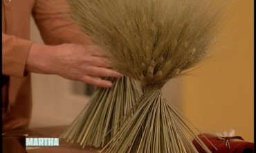 How to Make a Sheaf of Wheat Centerpiece