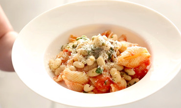 Pasta with Tomato Sauce and Lemony Beans