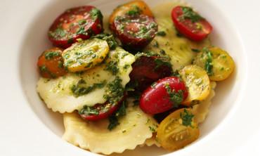 Ravioli with Tomatoes and Basil Dressing