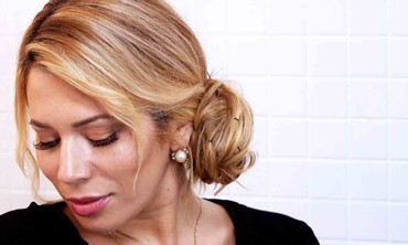Chic Chignon Hairstyle in Under 5 Minutes