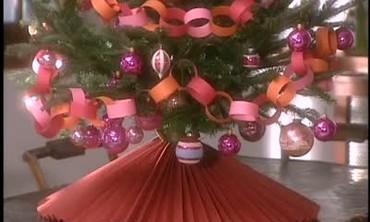Good Thing: How to Make a Paper Tree Skirt