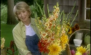 How to Make Gladiolus Flower Arrangements