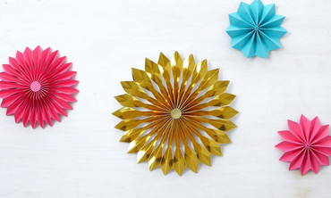 How to Make a Rosette Christmas Tree Topper