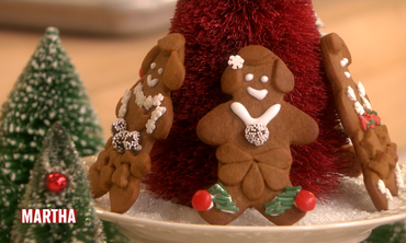 How to Bake and Decorate Gingerbread People