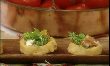 How to Make Fresh Salsa-Topped Potato Sopes