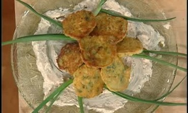 How to Make Shrimp and Green Onion Pancakes