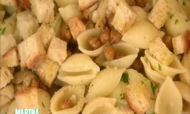 Pasta Shells with Cauliflower and Chickpeas