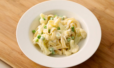 Fettuccine Alfredo with Cauliflower and Peas