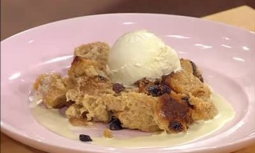 How to Make Bread Pudding with Whiskey Sauce