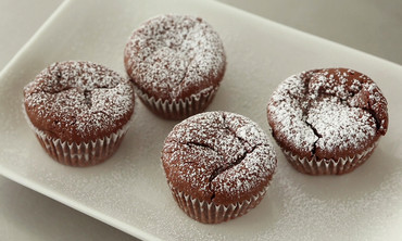 Raspberry-Filled Molten Chocolate Cupcakes