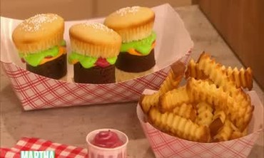 Cheeseburger and Fry Cupcakes with Nicki Puza