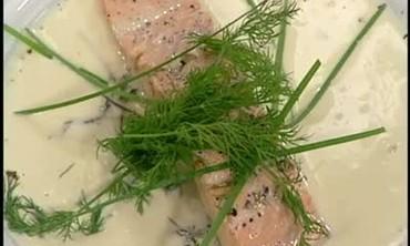 Garnished Salmon with Champagne Vanilla Sauce