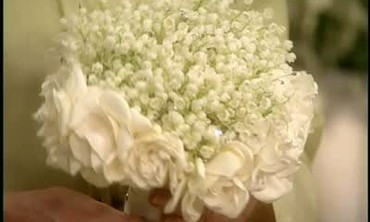 How to Create a White Scented Wedding Bouquet