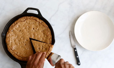 One-Pot Wonders: One Giant, Skillet-Made Cookie