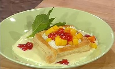 Puff Pastry with Cream Cheese and Guava Jelly
