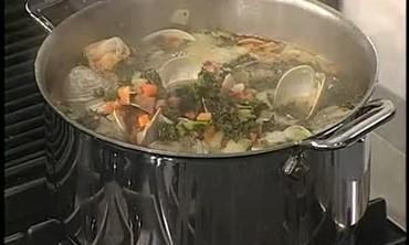 Garlic Bread and Chorizo Clam Kale Soup Part 1