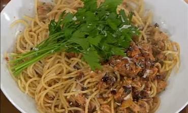Buccatini with Italian Tuna and Calamata Olives