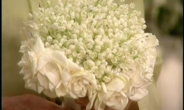 How to Make a Fragrant White Bouquet